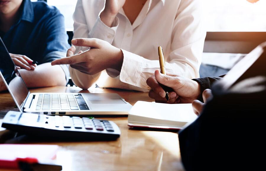 Novos e antigos negócios precisam de planejamento e tecnologia para manterem a saúde financeira e lucros, evitando fechamento de empresas.