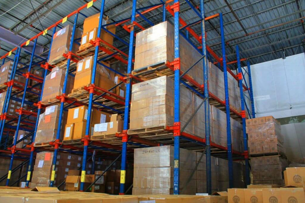 A gestão de estoque deve usar metodologias desenvolvidas por especialistas em logística,