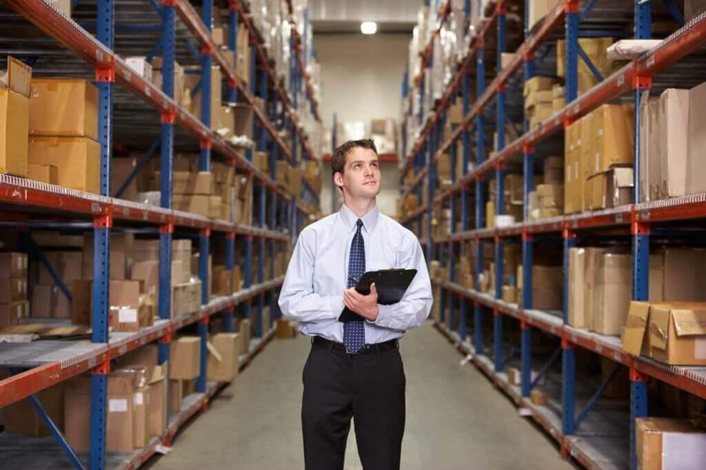 O custo médio tem como propósito calcular o valor de produtos vendidos e os que ainda se encontram no estoque da empresa