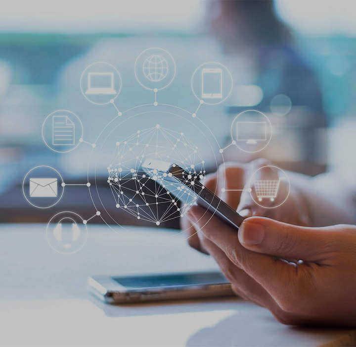 Estar presente digitalmente e distante socialmente, assim funcionam muitos negócios hoje