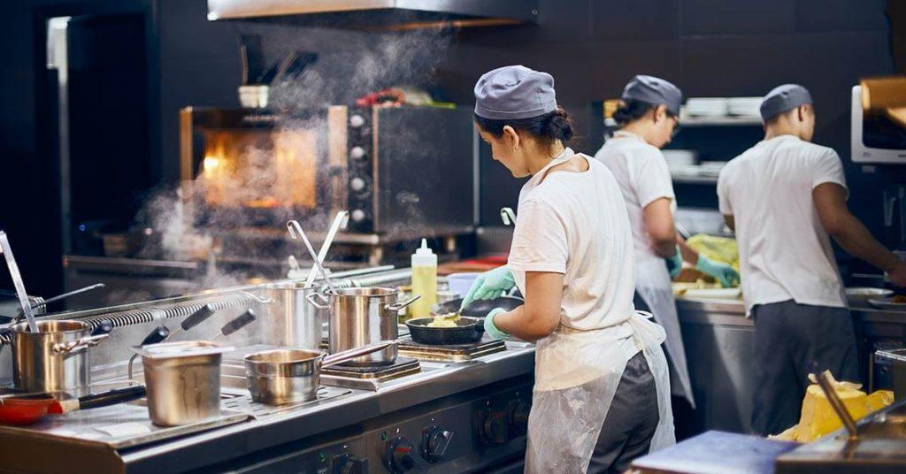 Fique atento para a gestão do negócio, seja ele um restaurante tradicional ou dark kitchen