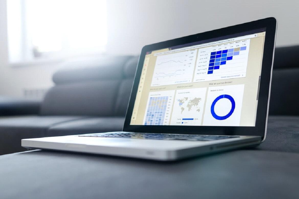 DRE, análise de pagamentos, recebimentos e contas são exemplos de relatórios gerenciais