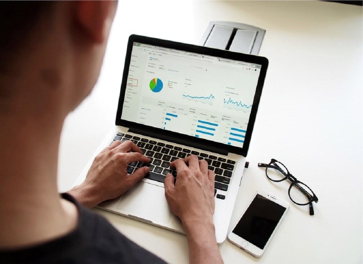 Busque um software de gestão capaz de produzir os relatórios úteis para sua empresa