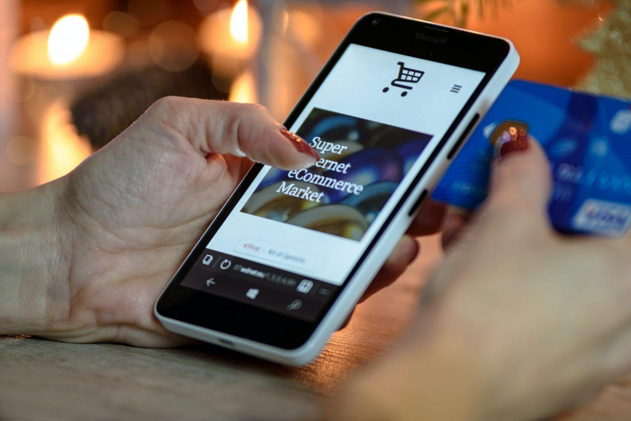 Negócios em alta: e-Commerce se destacou, com aumento de 40%.