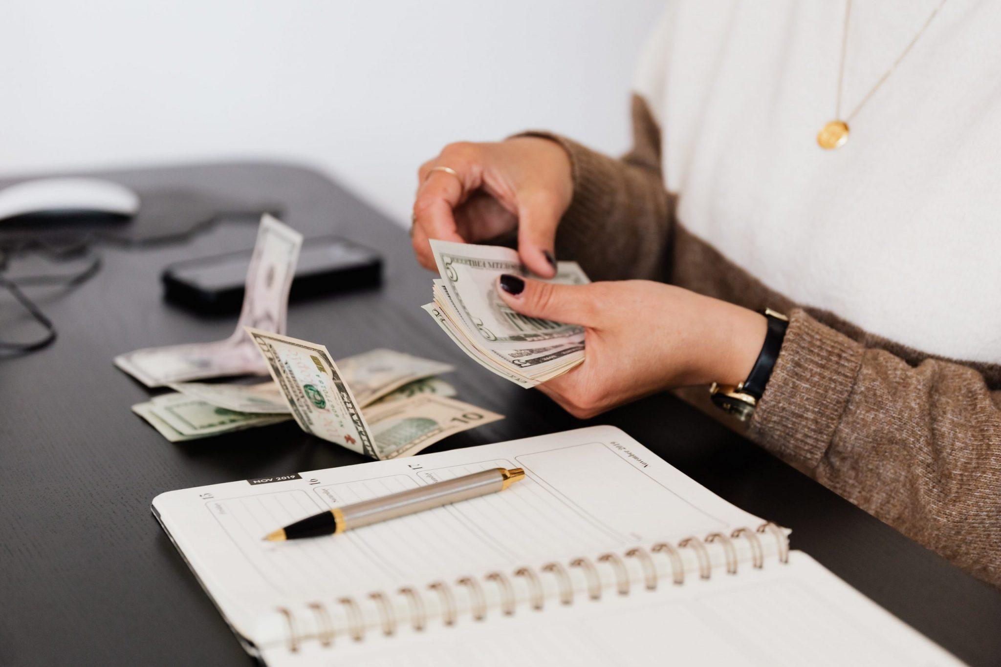 Empresários devem considerar novo valor para cálculo dos salários.