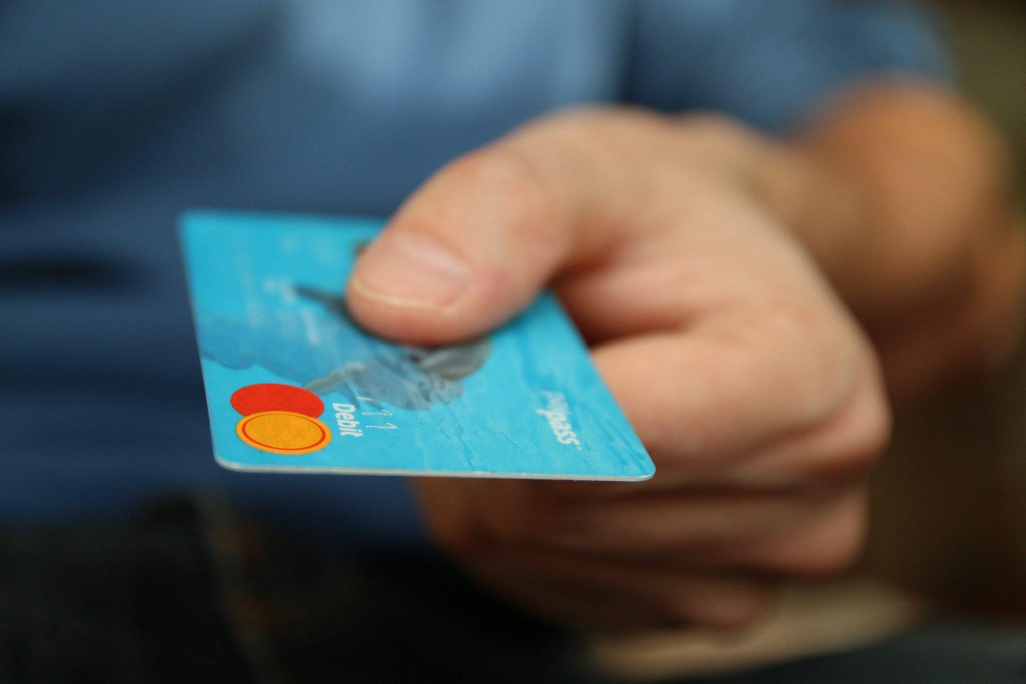 O sistema TEF - Transferência Eletrônica de Fundos - permite que o empreendedor aceite pagamentos via cartões de crédito e débito.