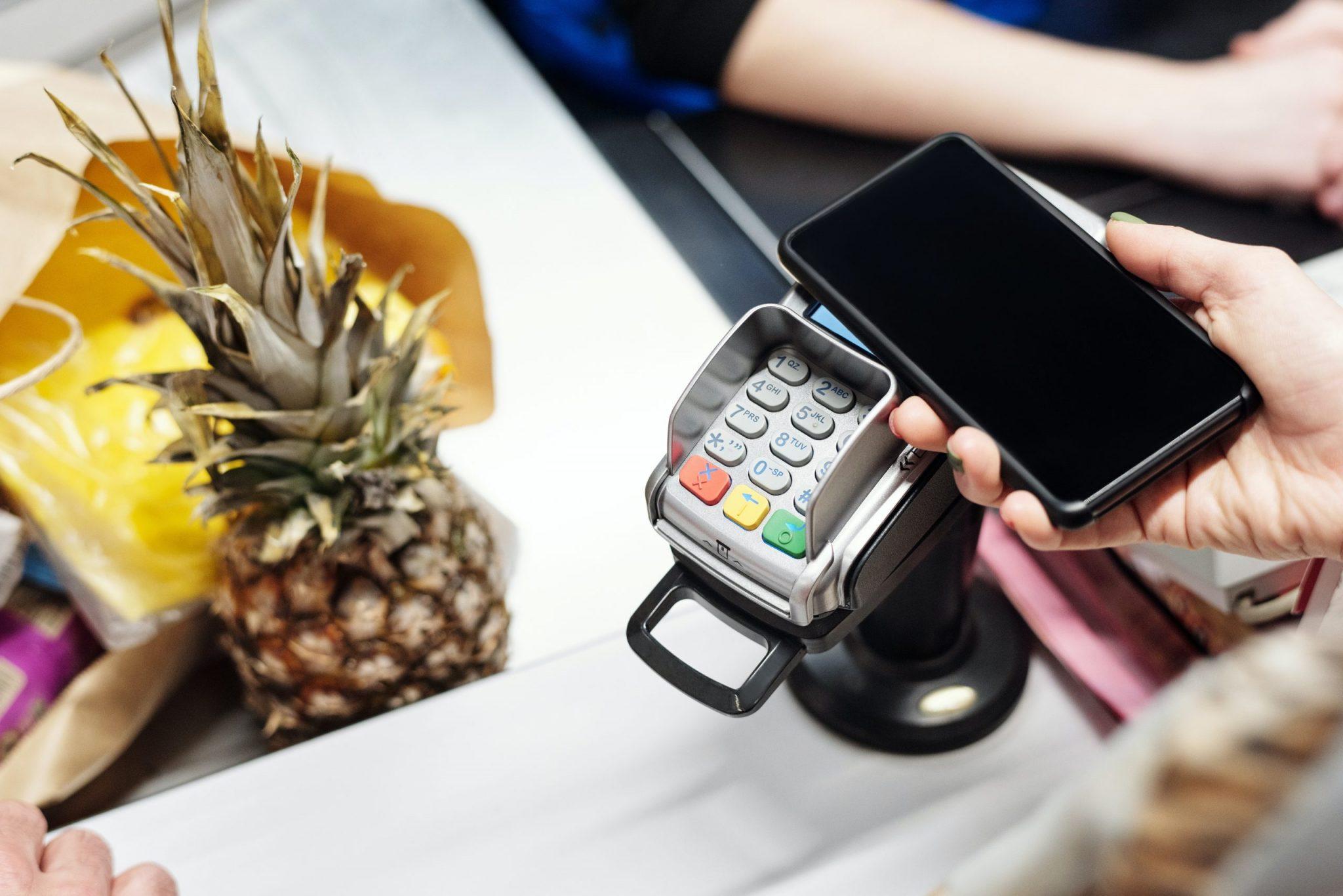 A TEF é obrigatória para contribuintes de ECF que operam com cartões de crédito ou débito automático por meio de uma conta corrente.